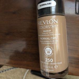 Revlon color stay normal to dry foundation
